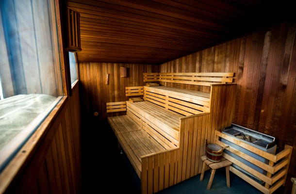 Camping_Lakens_sauna_genieten_luxe_kamperen_accommodaties