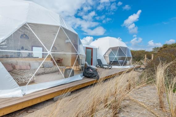 Beach dome buitenkant.jpg
