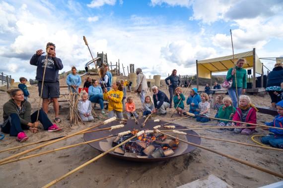 Camping_de_Lakens_activiteit_broodjes_bakken